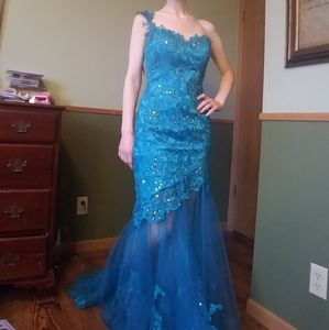 Maggie Sottero Mermaid prom dress